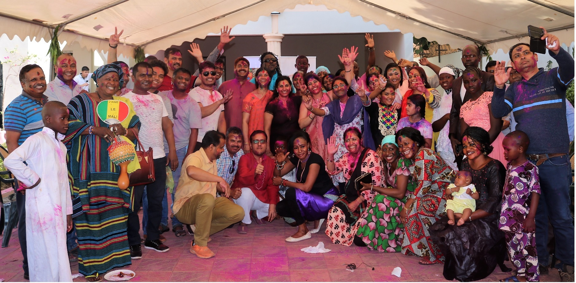 The Indian Diaspora in Mali welcomes cross section of Malian society representing Government, Music, Arts, Culture, Business, Indophiles etc. for a memorable India-Mali joint Holi celebration.
