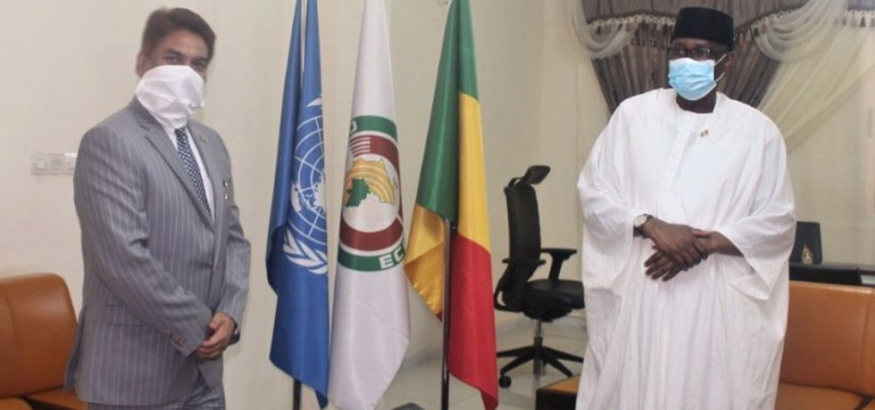 Amb. Anjani Kumar called on H.E. Mr. Tiébilé Dramé, Foreign Minister of Mali, to discuss, among other matters, our common fight against #COVID19 and India's medical supply to Mali, 8 May 2020