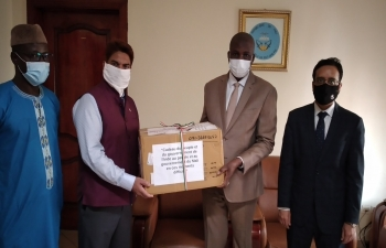 Donation of medicines from India to Mali