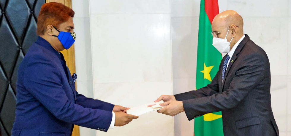Presentation of Letter of Credence by Ambassador Anjani Kumar to H.E. Mr. Mohamed Ould El Ghazouani, President of Islamic Republic of Mauritania in Nouakchott, 8 April 2021.